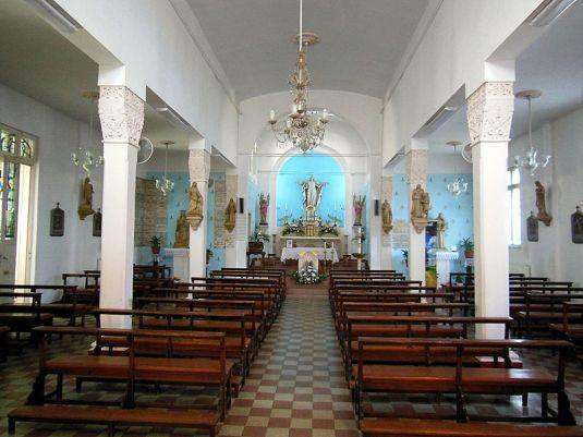 800px-Biserica_franceza_Sacre_Cœur_din_Bucuresti-altarul
