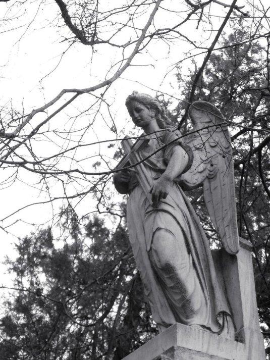 Angel_cross_by_Lestatis