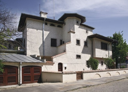 Muzeul_Zambaccian1