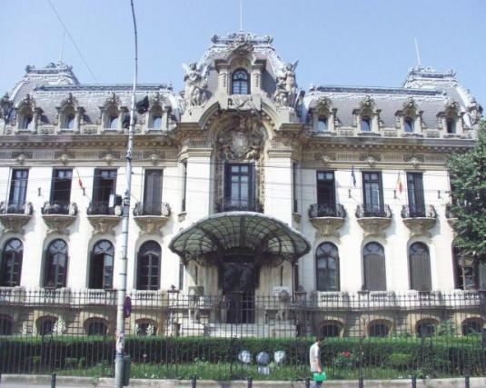Palatul-Cantacuzino-sau-Muzeul-George-Enescu-Galerie-foto--1317893317-1.483184-[640x480]